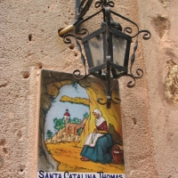Painted tile in Valldemossa